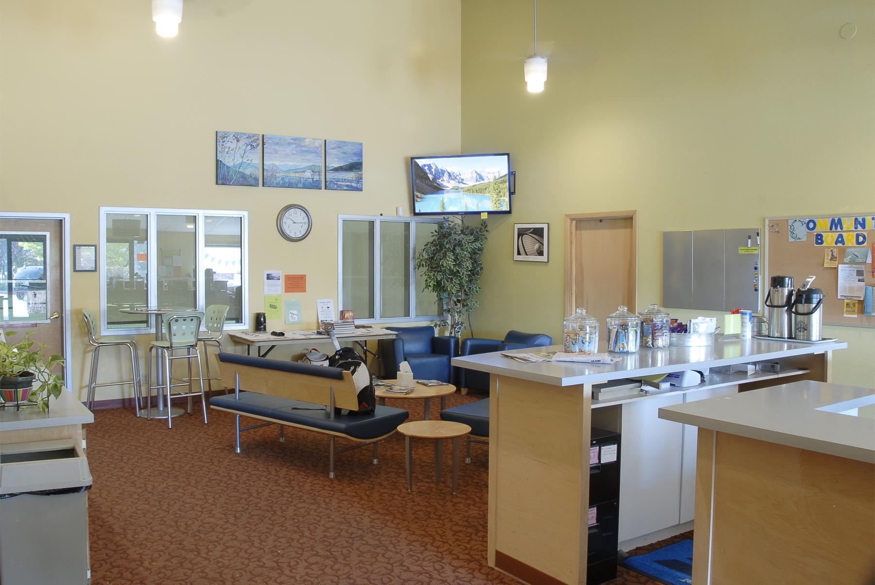 lobby lounge area 300